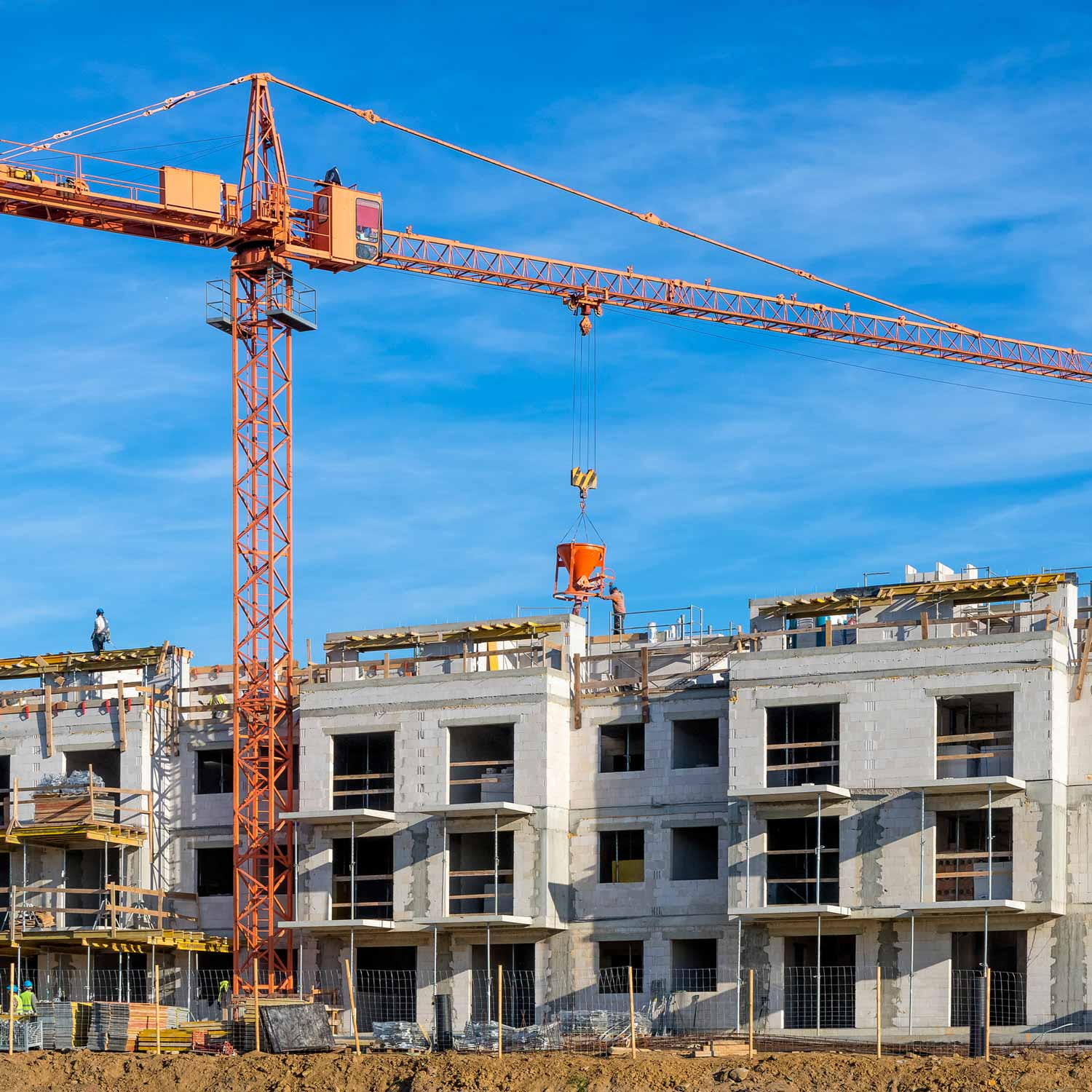 crane_in_front_of_apartment_construction